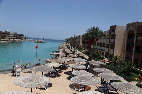 Ruski turisti po šestih letih znova leteli v egiptovska letovišča na Rdečem morju