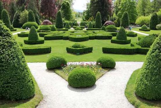 Razstava EU v vrtnicah v Arboretumu Volčji Potok