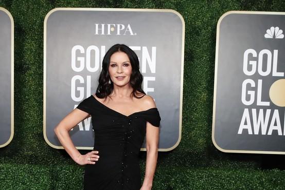V Netflixovih Addamsovih bosta igrala Catherine Zeta-Jones in Luis Guzman