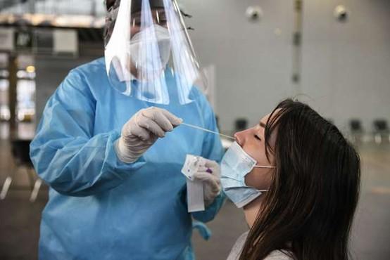 Testiranje s hitrimi antigenskimi testi po novem plačljivo
