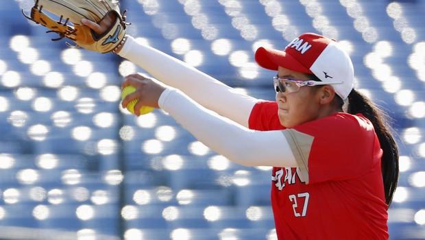 Ker je župan ugriznil medaljo, bo igralka softballa dobila novo (foto: Profimedia)