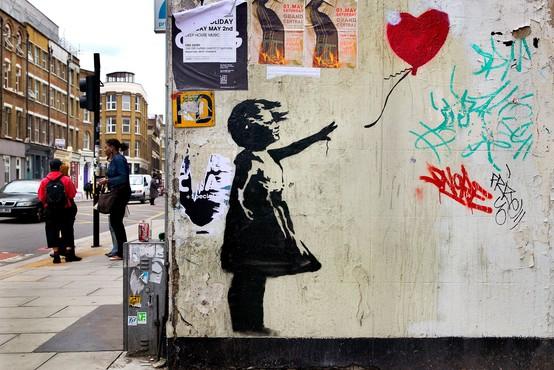 Poglejte, s čim je tokrat presenetil angleški skrivnostni ustvarjalec grafitov Banksy
