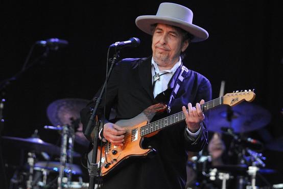 Kako se je Bob Dylan odzval na obtožbe spolne zlorabe 12-letne deklice pred 60 leti