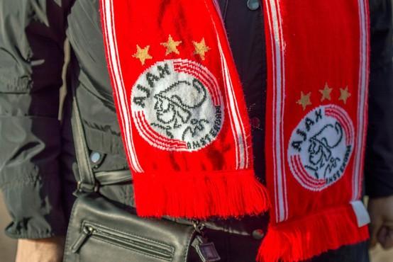 Nov dres nogometnega kluba Ajax z navdihom pesmi Boba Marleya