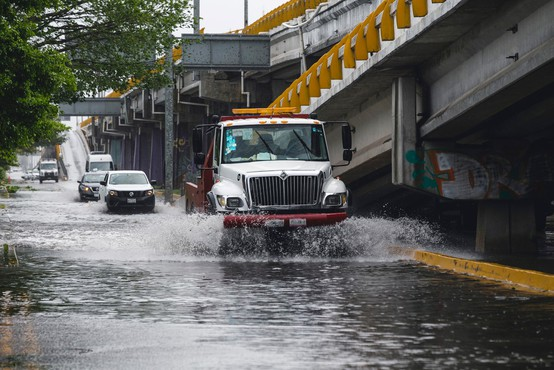 Orkan Grace je na vzhodni obali Mehike vzel najmanj osem življenj