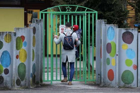 Pogoj PCT obvezen tudi za starše, ki pripeljejo otroka v vrtec