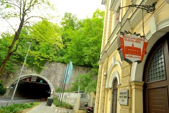 V Mestni hiši razstava ob stoletnici delovanja Šentjakobskega gledališča