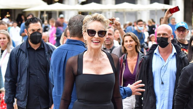 Sharon Stone bodo na filmskem festivalu v Zürichu počastili z nagrado zlata ikona (foto: profimedia)