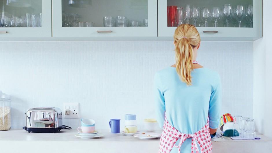 So v današnjem času gospodinjska opravila še vedno spolno identificirana? (foto: profimedia)