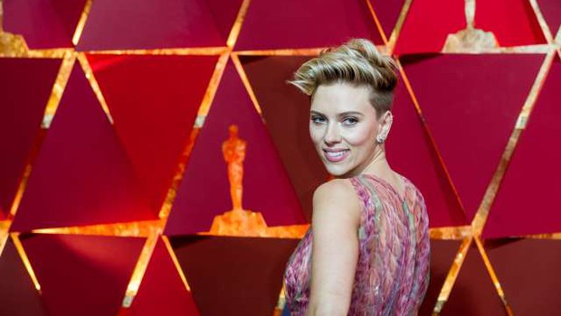 Chris Evans in Scarlett Johansson angažirana za film Ghosted (foto: Xinhua/STA)