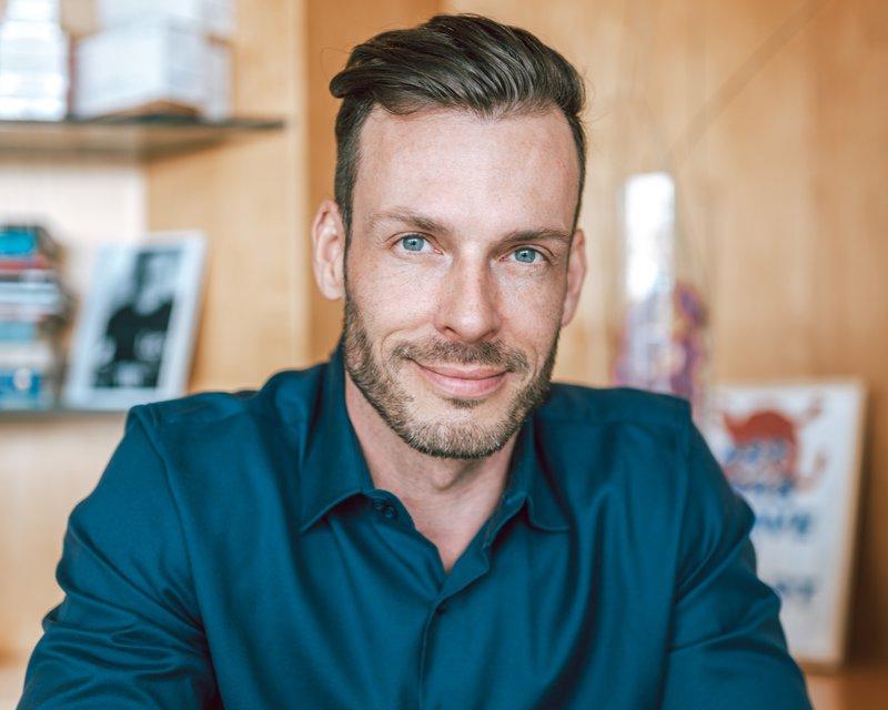 Estetski kirurg Igor Višnjar zagovarja samozavest in dobro počutje v svojem telesu.