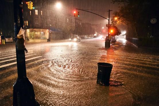 V New Yorku zaradi tropske nevihte Ida izredne razmere