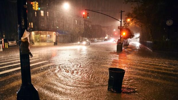 V New Yorku zaradi tropske nevihte Ida izredne razmere (foto: Profimedia)