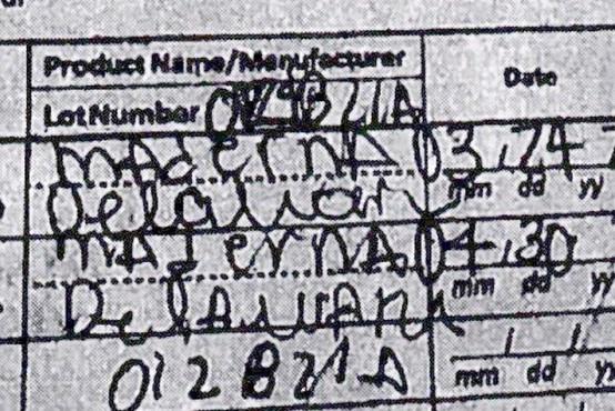 Turistko s ponarejenim potrdilom o cepljenju ujeli pri odhodu s Havajev