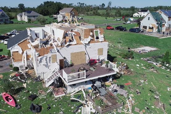 Orkan Ida z repom udaril na območju od New Yorka do Massachusettsa