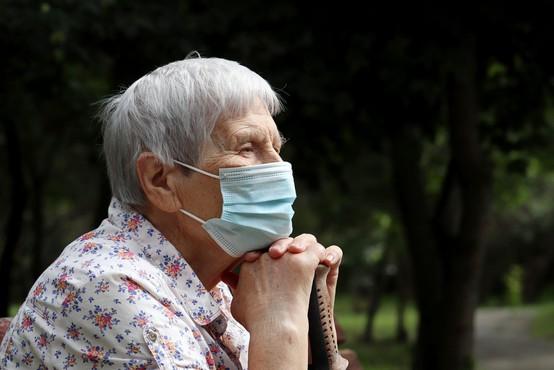 V petek pregledali 3748 vzorcev in potrdili 741 okužb s koronavirusom