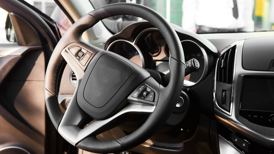 Avgusta v Sloveniji za 16 odstotkov manj prodanih novih vozil (foto: Profimedia)