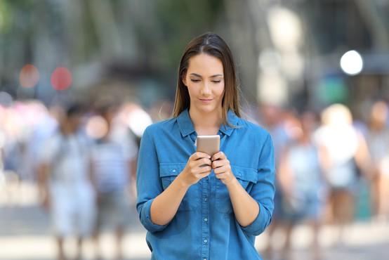 To so znaki, ki kažejo, da imate morda nezdrav odnos s telefonom