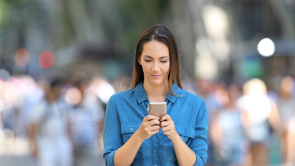 To so znaki, ki kažejo, da imate morda nezdrav odnos s telefonom (foto: profimedia)