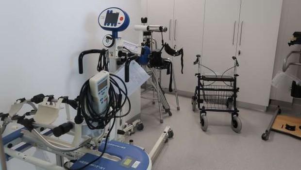 Pri okrevanju po dolgotrajnem covidu je smiselna tudi fizioterapevtska obravnava (foto: Rosana Rijavec/STA)