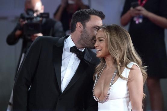 """Jennifer Lopez in Ben Affleck ali kar """"Bennifer"""" - znova sta se našla po dolgih 17 letih"""