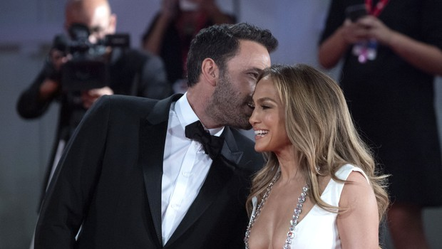 """Jennifer Lopez in Ben Affleck ali kar """"Bennifer"""" - znova sta se našla po dolgih 17 letih (foto: Profimedia)"""