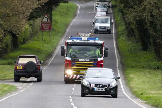 Intervencijska vozila na nujni vožnji - teh pravil se morate držati, ko jih zagledate za seboj!