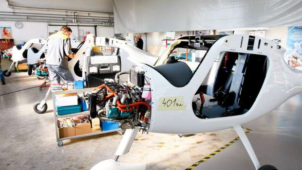 Na Madžarskem bodo izdelovali eno od Pipistrelovih letal (foto: Stanko Gruden/STA)