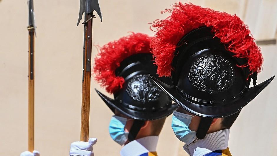 Se švicarska garda v Vatikanu pripravlja, da bo v svoje vrste prvič v zgodovini sprejela ženske? (foto: Profimedia)