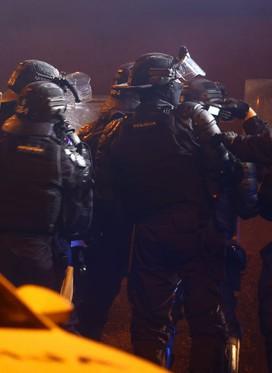 V ŽIVO ob 12. uri: Policija bo pojasnila dogajanje na izgredih