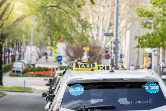 Dunaj zagnal projekt, s katerim bi po letu 2025 po cestah vozili le električni taksiji