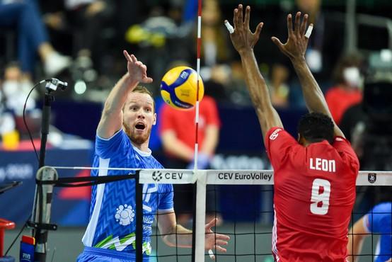 Slovenski odbojkarji premagali svetovne prvake in se uvrstili v finale EP