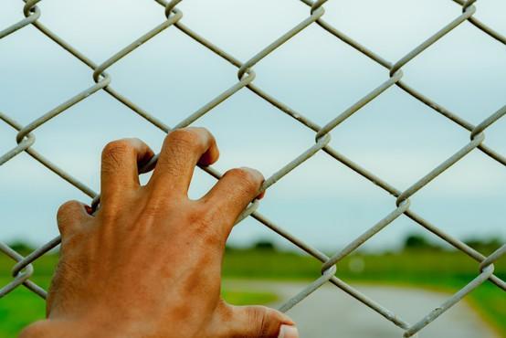Danska zapornikom z dosmrtno kaznijo prepovedala sklepanje novih romantičnih razmerij