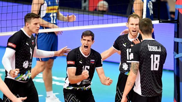 Slovenski odbojkarji se bodo z evropskega prvenstva tretjič vrnili s srebrom (foto: profimedia)