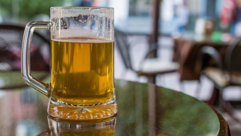 Z višjimi trošarinami na alkohol bi v Evropi letno preprečili 5000 rakavih obolenj (foto: Profimedia)