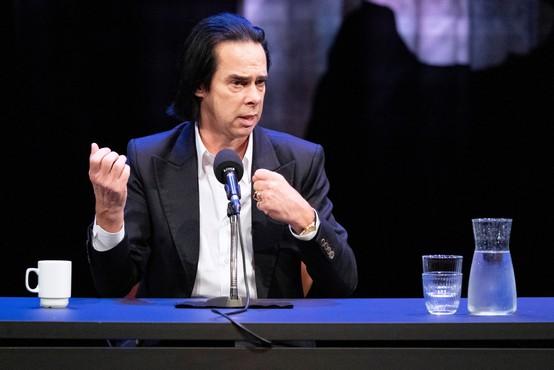 Nick Cave bo v knjigi spregovoril o letih po sinovi smrti