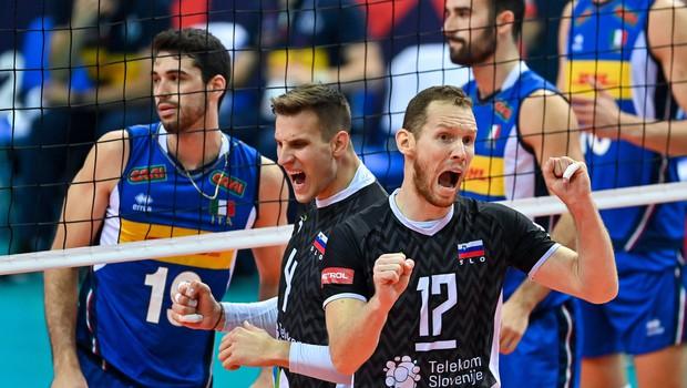 Naši srebrni odbojkaši: poglejte, kako so reagirali po finalu (tudi zahvala poljskemu trenerju za provokacije) (foto: Profimedia)