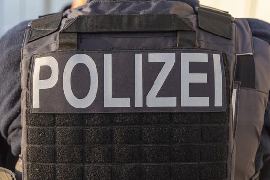V Nemčiji na bencinski črpalki zaradi spora glede maske ubil prodajalca