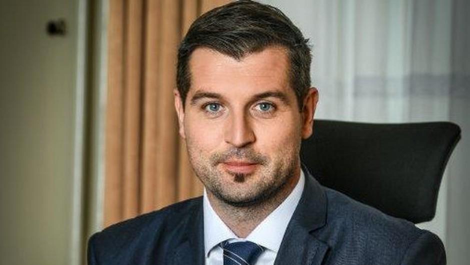 """Tomaž Kokot: """"Veseli me, da lahko pomagamo ozaveščati slovensko javnost o demenci!"""" (foto: Pošta Slovenije)"""