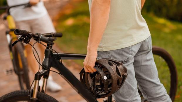 Naraščajoče število kolesarjev na ulicah terja tudi primerno zaščito (foto: profimedia)