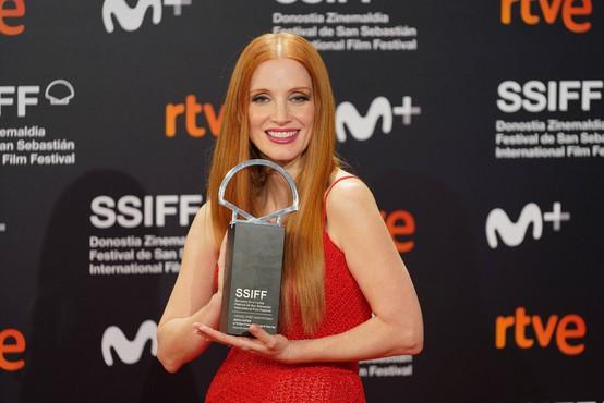 Nagrada za najboljšo igro v San Sebastianu Flori Ofelii Hofmann in Jessici Chastain