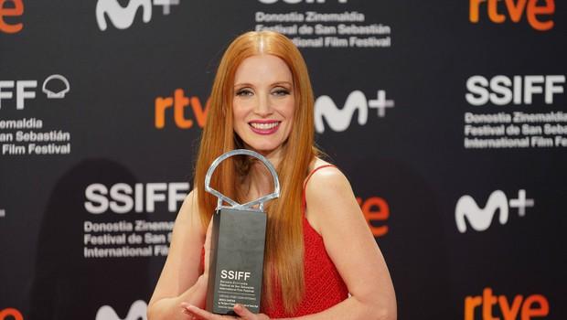 Nagrada za najboljšo igro v San Sebastianu Flori Ofelii Hofmann in Jessici Chastain (foto: profimedia)
