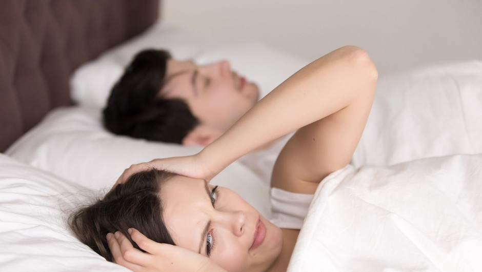 Tretjina vprašanih pravi, da je najbolj nadležna oseba, ki jo poznajo – njihov partner. Katerih 10 stvari, jih najbolj moti? (foto: Profimedia)