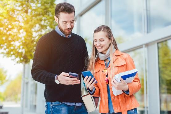 Študentsko delo vir dodatnega zaslužka dijakov in študentov