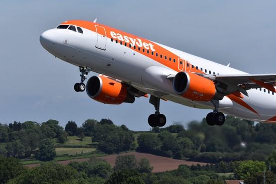 Letalski prevozniki v Evropi za hitrejšo povrnitev stroškov pri odpovedi letov