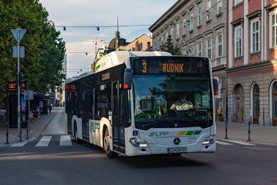 V Ljubljani in Mariboru brezplačni avtobusni prevoz za upokojence, invalide in vojne veterane