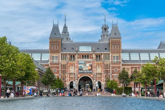 Rijksmuseum v Amsterdamu s sto renesančnimi portreti pod geslom Ohrani me v spominu