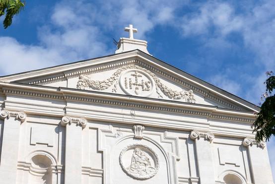 Od leta 1950 v francoski Cerkvi 216.000 žrtev spolnih zlorab
