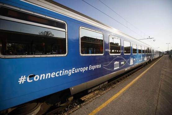 Vlak Connecting Europe prispel na cilj v Pariz