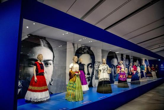 Razstava slik Fride Kahlo na Nizozemskem obogatena z njenimi osebnimi predmeti